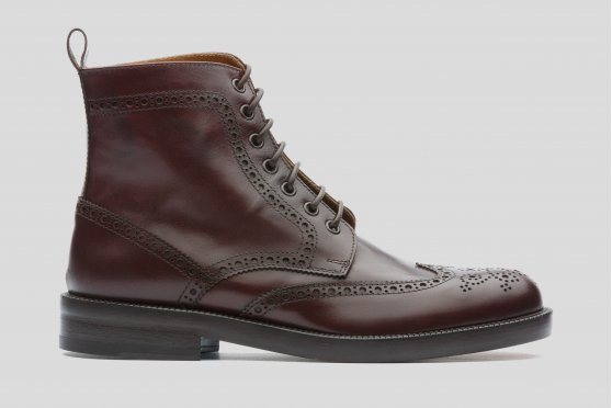 Burgundy boots with brogueing
