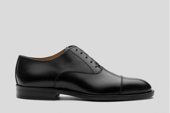 Black cup toe oxford